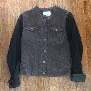 ✨Never worn H&M jacket with black sleeves